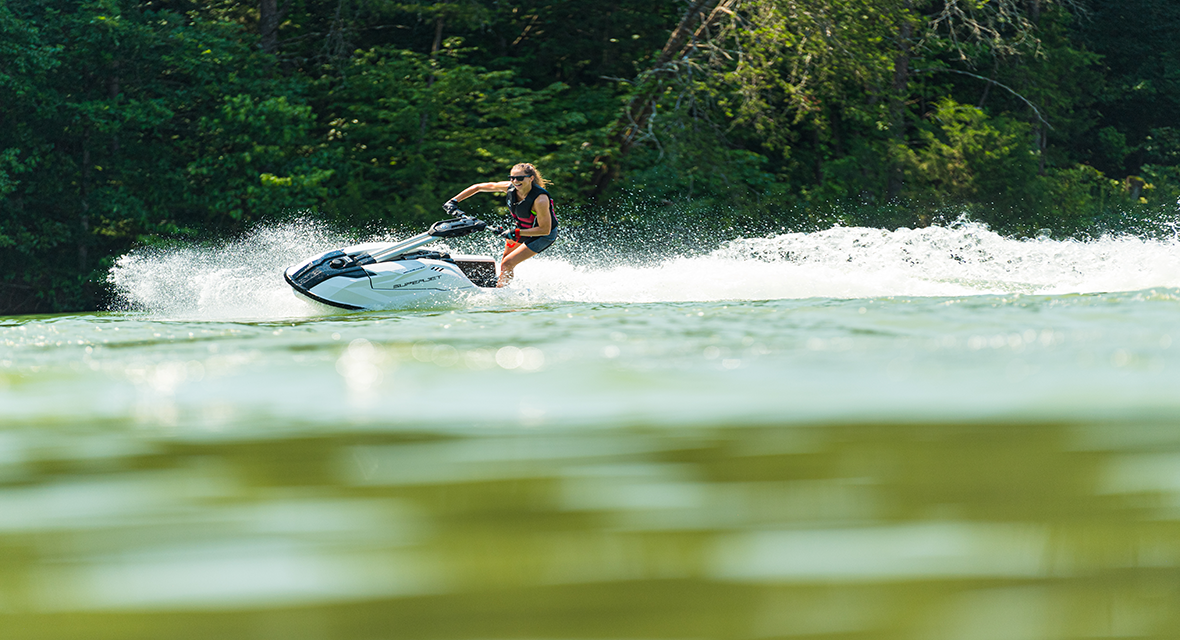 yamaha-waverunners-2021-boating-magazine-reviews-the-superjet.png
